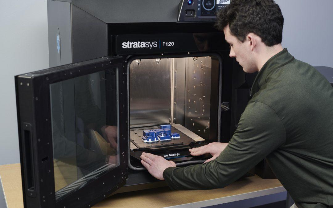 סדרת F123 של Stratasys: קפיצת מדרגה בעולם מדפסות התלת-מימד